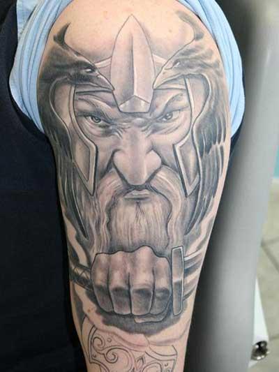 dos melhores tatuadores