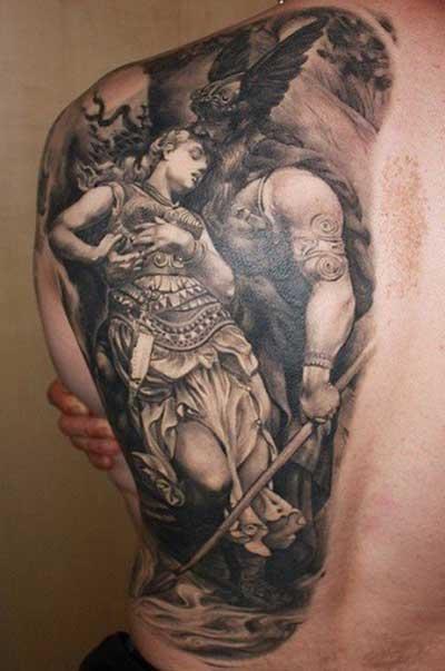 tatuagem máscula