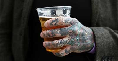 dicas de tattoos na mão
