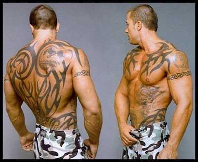 imagem de tatuagem masculina