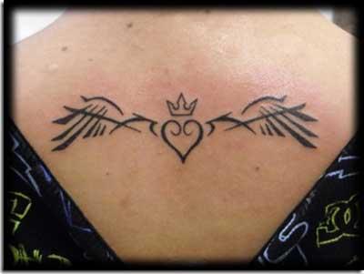 tatuagens de coraçõeszinhos
