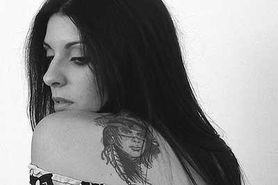 índia tatuada