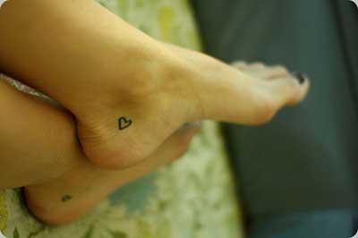 tatuagem de coraçãozinho