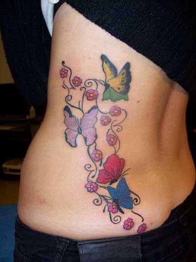 tatuagem de borboleta na costela