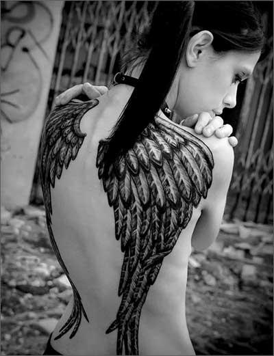 tattoo de asas de anjos