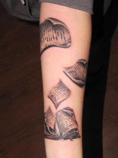 Tatuagens de Livros para Leitores: Significados, Desenhos