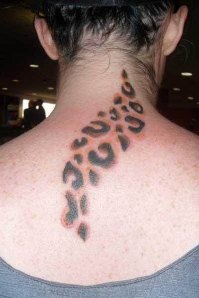 foto de tatuagem na nuca