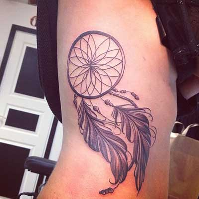 fotos de tatuagens na costela