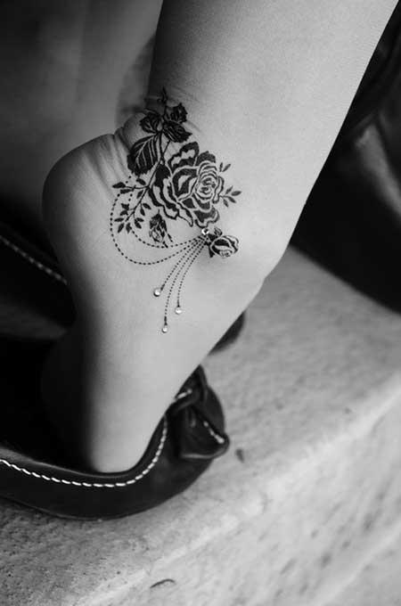 50 fotos de tatuagens femininas delicadas desenhos hoje em dia diferentemente do passado as tatuagens ganharam status de desejo entre as pessoas e inclusive entre os famosos se tornou um smbolo de thecheapjerseys Images