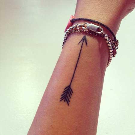 fotos de tatuagens de flecha