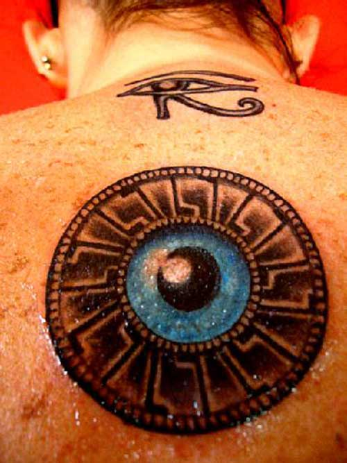 30 Fotos de Tatuagens de Olho Grego + Significado